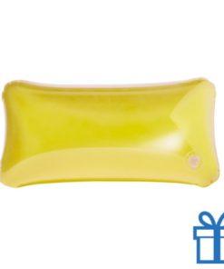 Opblaasbaar strandkussentje geel bedrukken