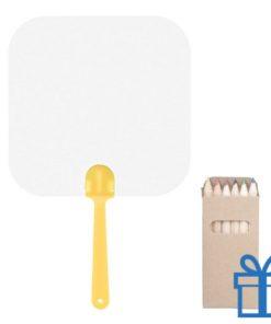 Papieren waaier vierkant op maat geel bedrukken