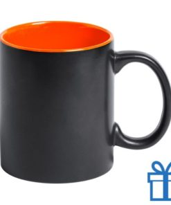 Zwarte mok binnenkant oranje bedrukken